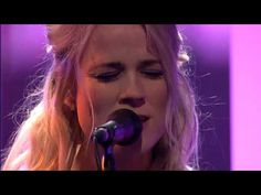 ▶ The Common Linnets - Love goes on - DWDD 12-03-14 - YouTube