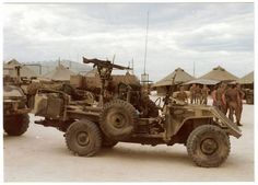 Vehicle used by Pathfinders Military Weapons, Military Aircraft, Army Day, Bug Out Vehicle, Defence Force, African History, Modern Warfare, Land Rover Defender, War Machine