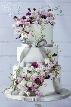 Sweet Pea Cake by Joanna Pyda Cake Studio