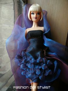 Fashion Doll Stylist: Pucker Up! How to create unusual textures in fabric.