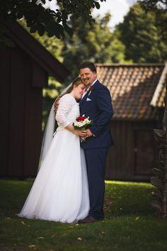 Bryllupsfotografering i ruinkirken på Borgarsyssel med Ida og Einar — Studio Hodne Studios, Wedding Dresses, Cute, Fashion, Dance In, Creative, Pictures, Bride Dresses, Moda