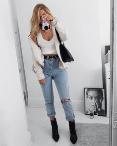 "2,842 mentions J'aime, 24 commentaires - Lydia Rose (@fashioninflux) sur Instagram : ""Weekend comfies cause my hobbies include being a slob you can shop these jeans using…"""