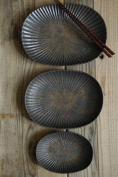 『久野靖史作 白磁しのぎ楕円皿 中』  #ceramics #pottery #porcelain #japanese #陶磁器 #うつわ #焼きもの #作家もの