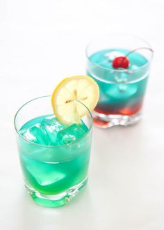 Whether you're cheering for the Patriots or the Seahawks, we have a @BlueChairBayRum recipe for you. Featuring BCB Coconut Rum. http://eclecticrecipes.com/super-bowl-2015-cocktails