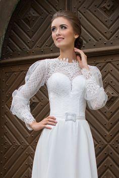 Svadobné šaty s poetickým rukávom
