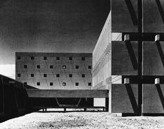 The lines from shadows!   /   Primary School, Quarzazate, Morocco. Jean-Francois Zevaco, 1966