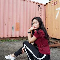 Cute Girl Photo, Cool Girl, Indonesian Women, Model Quotes, Filipina Girls, Muslim Women, Beautiful Asian Women, Ulzzang Girl, Girl Photos