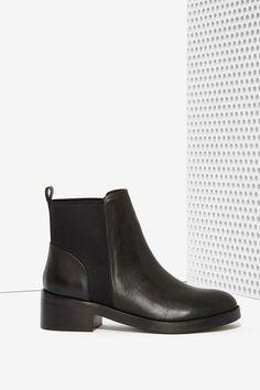 5d59cb679bbc5 Steve Madden Shrill Leather Chelsea Boot Black Leather Chelsea Boots