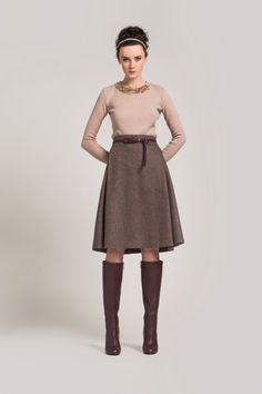 А-образная шерстяная юбка Алена Горецкая / Alena Goretskaya А268/8 - А-образная шерстяная юбка с односторонними складками и прорезными карманами.