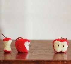DIY gifts for teachers – apple pompoms!!