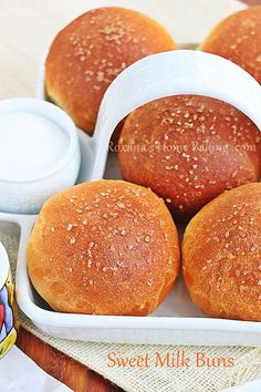 Evaporated milk sweet buns - soft, sweet, buttery with a creamy crumb and a golden crust Evaporated milk sweet buns - soft, sweet, buttery with a creamy crumb and a golden crust Bread Bun, Bread Rolls, Pan Rapido, Bread Recipes, Cooking Recipes, Sweet Buns, Bun Recipe, Evaporated Milk, Condensed Milk