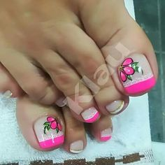 Uñas French Pedicure, Pedicure Nail Art, Toe Nail Art, Cute Pedicure Designs, Toe Nail Designs, Summer Toe Designs, Cute Pedicures, Cute Toe Nails, Summer Toe Nails