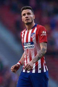 MADRID, SPAIN - DECEMBER Saul Niguez of Atletico de Madrid looks on during the La Liga match between Club Atletico de Madrid and Deportivo Alaves at Wanda Metropolitano on December 2018 in Madrid, Spain. (Photo by Quality Sport Images/Getty Images) Sports Images, Nike Soccer, Best Games, Football Players, Fifa, Superstar, Kicks, That Look, Celebrities