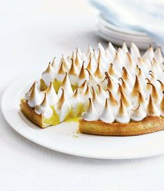 Lemon meringue pie Lemon Meringue Pie via Gourmet Traveller - gourmet-dessert-recipes - Lemon Recipes, Pie Recipes, Dessert Recipes, Lemon Meringue Pie, Meringue Cake, Italian Meringue, Sweet Pie, Just Desserts, Lemon Desserts