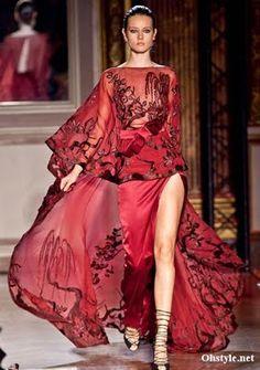 Google Image Result for http://1.bp.blogspot.com/-SdMoOX4o-zk/ThrX7m0quMI/AAAAAAAAZAU/42hUd0aOjAs/s400/Zuhair-Murad-Fall-2011-2012-Couture-Fashion-Collection-10.jpg