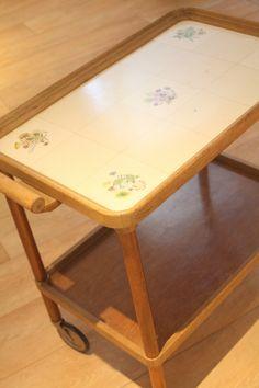 Ma petite table à roulettes