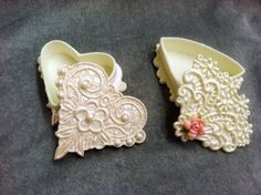 Gum paste gift boxes - perfect for Valentine's Day. Learn to make them from cake artist, Earlene Moore