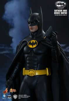 """Batman & Bruce Wayne (1992)"" 1/6th Scale Collectible Figurine Set by HOT TOYS (Hong Kong) 