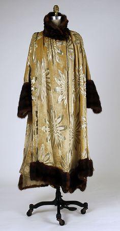 Callot Soeurs, Evening Coat of Velvet Silk with Metallic Brocade, 1916-17.
