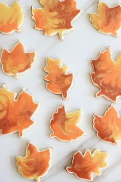 Leaf cookies with the coolest looking icing. Buttery and flaky sugar cookie cutouts recipe, decorated with the cookie flooding technique. Sugar Cookie Cutout Recipe, Cut Out Cookie Recipe, Sugar Cookie Royal Icing, Cookie Icing, Leaf Cookies, Fall Cookies, Cut Out Cookies, Holiday Cookies, Mug Cakes