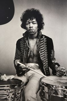 Happy 70th Birthday, Jimi Hendrix: Photos of an Incendiary Talent