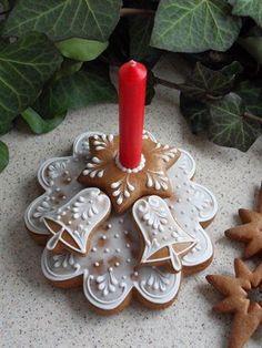 vánoce, strana 6 | Perníky Cute Christmas Cookies, Christmas Biscuits, Xmas Cookies, Christmas Desserts, Holiday Treats, Gingerbread Decorations, Gingerbread Cake, Christmas Gingerbread, Vintage Cookies
