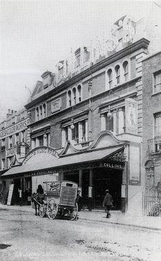 Vintage London, Old London, London History, London Pictures, Singapore, Places To Visit, Cinema, Street View, Architecture