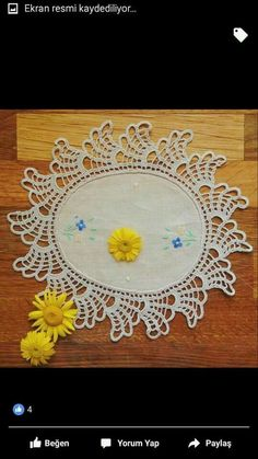 This Pin was discovered by HUZ Crochet Edging Patterns, Crochet Borders, Doily Patterns, Filet Crochet, Crochet Designs, Crochet Doilies, Crochet Lace, Cross Stitch Patterns, Knitting Patterns