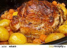 Vepřová plec pečená pomalu společně s bramborami a mrkví recept - TopRecepty.cz Slovakian Food, Pork Recipes, Cooking Recipes, Chicken Recepies, Multicooker, Food 52, Pot Roast, No Cook Meals, I Foods