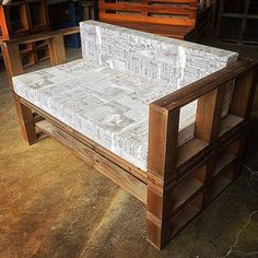 Ingenious And Creative Pallet Project Designs For All The Crafters - Sensod - Create. Furniture, Chic Furniture, Pallet Projects, Sofa, Ingenious, Simple Sofa, Home Decor, Bed, Pallet Sofa