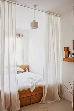 57 Modern Small Bedroom Design Ideas For Home. It used to be very difficult to get a decent small bedroom design but the times have changed and with the way in which modern furniture and room design i. Cozy Small Bedrooms, Small Master Bedroom, Trendy Bedroom, Cozy Bedroom, Bedroom Decor, Bedroom Ideas, Bedroom Curtains, Bedroom Green, Bedroom Lighting