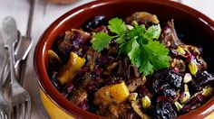 This Morrocan inspired meal is aromatic, perfectly seasoned and is best to be served with hot cooked couscous. Lamb Recipes, Slow Cooker Recipes, New Recipes, Pitted Prunes, Moroccan Spices, Pomegranate Molasses, Spice Mixes, Meals For The Week, Fennel