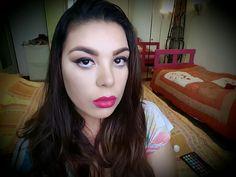 Maquiagem muito simples . Vejam meu canal no YouTube Jennifer Rezende