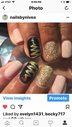 Gel polish nail designs by nailsbynivea Christmas
