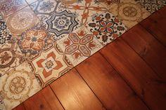 Portugese tegels zijn hartstikke populair. Da's niet zo gek, want ze zijn de blikvangers in iedere ruimte. Thomas legt gekleurde Portugese tegels op de vloer van de vintage woonkeuken. Hoe leg je deze tegels eigenlijk? En op welke manieren kun je ze nog meer gebruiken?