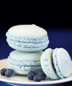 Oh yummy Macaron: Will you be my wedding favor?
