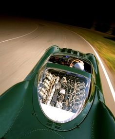 Visit The MACHINE Shop Café... ❤ Best of Jaguar @ MACHINE ❤ (1966 Jaguar XJ13 V12 Roadster)