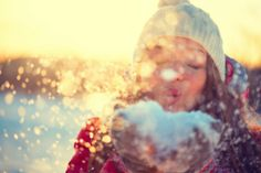 7 ways to avoid catching the cold: The temperature is dropping and the days are getting shorter. As we head into winter we're all at a greater risk of catching colds or the flu, but there's lots you can do to boost your immune system to help avoid the misery. #health #wellbeing #cold #flu #immunity