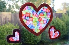 8 Cute Valentine& Day Crafts for Kids-Valentine's Day is a special time to show your love for your children. There's so much more to V-Day than chocolates and conversation hearts. This year, create something unique with your kiddos! Valentine's Day Crafts For Kids, Valentine Crafts For Kids, Toddler Crafts, Preschool Crafts, Holiday Crafts, Holiday Fun, Holiday Decor, Valentinstag Party, Kinder Valentines