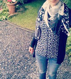 Mélange d'imprimés avec ma #blousemaya à papillons et mon foulard 4 en 1 home made #mmmay16 #jeportecequejecouds Maya, The 4, Blouse, Blazer, Instagram Posts, Jackets, Fashion, Papillons, Scarf Head