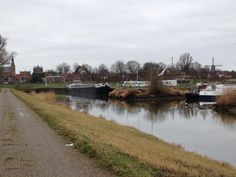 Goede en rustige Camperplaats met prima sanitair in Hattem. Leuke plaats is dit, een bezoekje waard om heerlijk doorheen te wandelen.