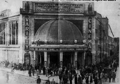 Lined up outside the Astoria-Brixton cinema to see ´The Singing Fool', London…