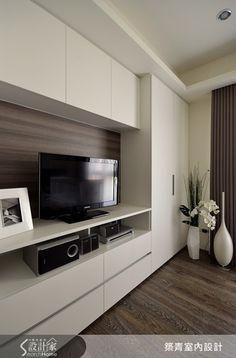 Living Room Wall Units, Living Room Tv Unit Designs, Home Living Room, Apartment Living, Living Room Partition Design, Room Partition Designs, Kitchen Room Design, Home Room Design, Condo Interior