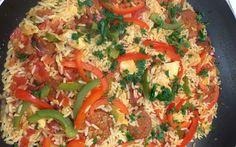 ¡Vaya delicia! Deléitate con esta receta de arroz con chorizo y pollo. ¿Te va a …