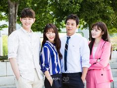 RR: Dakteoseu) is a 2016 South Korean television series starring Park Shin-hye and Kim Rae-won. It airs every Mondays and Tuesdays at (KST) on SBS starting June Doctor Who Funny, Doctor Humor, Lee Sung Kyung Doctors, Doctors Korean Drama, Doctor Party, Kyun Sang, Kim Rae Won, Romantic Doctor, Best Kdrama