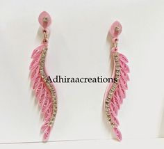 12 Awesome Paper Quilling Jewelry Designs To Start Today – Quilling Techniques Quilling Work, Paper Quilling Jewelry, Paper Quilling Designs, Quilling Paper Craft, Quilling Patterns, Paper Jewelry, Paper Beads, Neli Quilling, Quilling Earrings Jhumkas