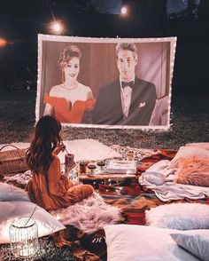 The Dos And Don'ts Of A Cinema Date - UKYou can find Romantic dates and more on our website.The Dos And Don'ts Of A Cinema Date - UK Cinema Date Outfit, Movie Night Outfits, Tara Milk Tea, Boho Garden Party, Strange Beasts, Cute Date Ideas, Backyard Movie Nights, Dream Dates, Go To The Cinema