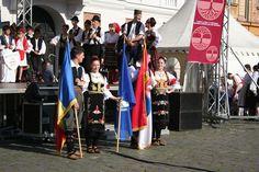 """Festivalul de folclor """"Maratonul cântecului și dansului popular sârbesc"""" va ajunge sâmbătă, 26 septembrie, la cea de-a XXII-a ediție. Uniunea Sârbilor din România, cu sprijinul financiar al Departamentului pentru Relații Interetnice și al Primăriei Timișoara sunt cei care organizeaz… Places To Visit, Dresses, Fashion, Moda, Vestidos, Fashion Styles, Dress, Dressers, Fashion Illustrations"""