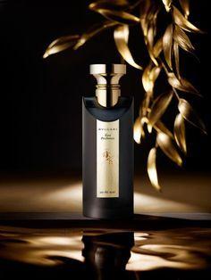 Still life photographer Candice Milon - Bvlgari Eau Parfumée au Thé Noir #gold #perfume
