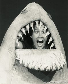 Land shark - Chevy Chase when he was still funny Moves Like Jagger, Funny As Hell, It's Funny, Funny Jokes, Hilarious, Chevy Chase, Great White Shark, About Time Movie